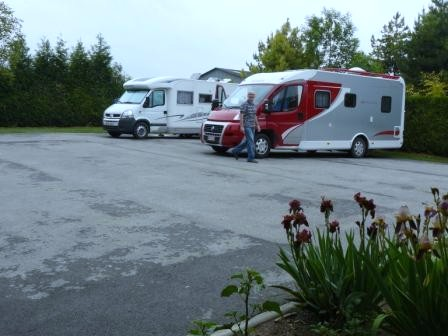 Aire camping-car à Villeneuve-Renneville-Chevigny (51130) - Photo 1